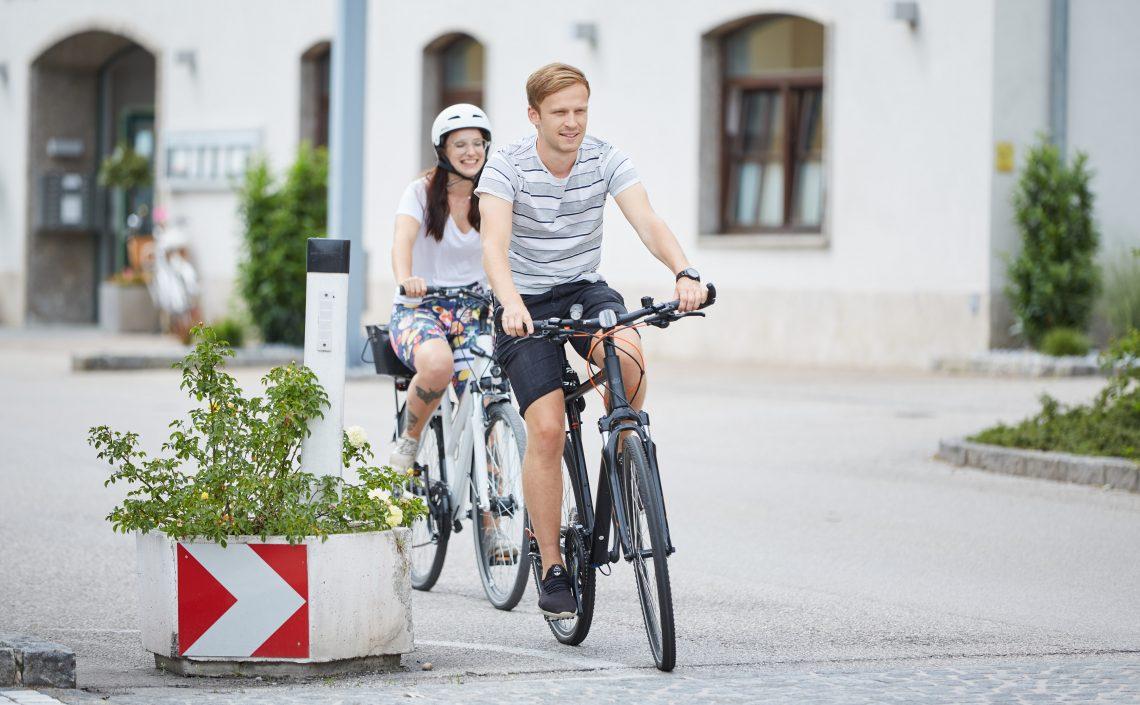 Personen auf Fahrrädern
